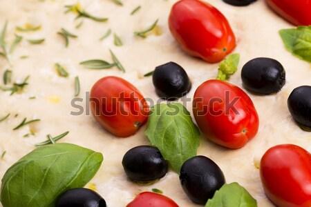 Aceitunas negras tomates albahaca blanco hierbas amarillo Foto stock © joannawnuk