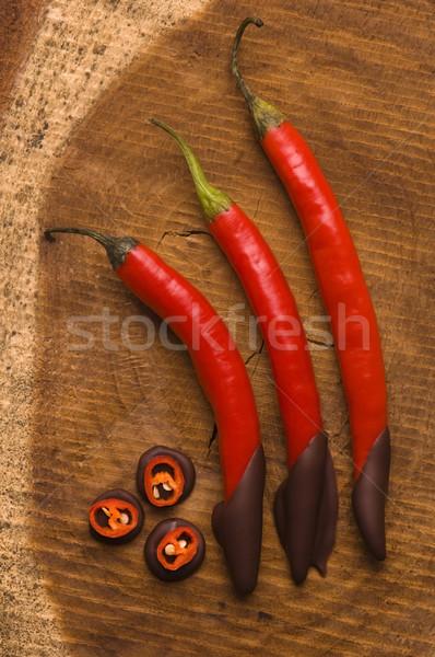 Vermelho quente pimenta pimenta chocolate escuro chocolate Foto stock © joannawnuk