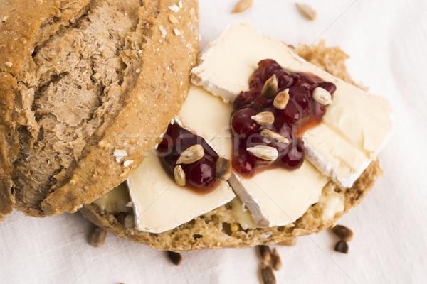 Pão servido queijo camembert madeira queijo Foto stock © joannawnuk