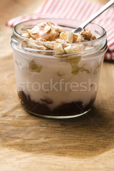 Doce sobremesa vidro jarra bolo de morango café da manhã Foto stock © joannawnuk