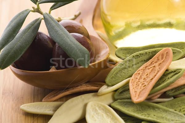 Pasta aceitunas negras petróleo frescos rama alimentos Foto stock © joannawnuk