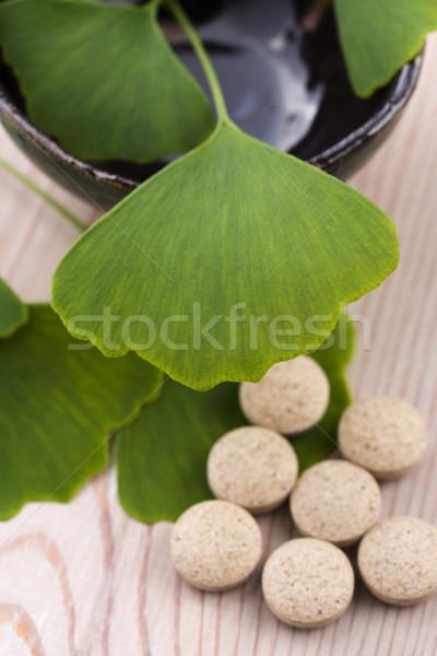 Folhas pílulas folha saúde verde medicina Foto stock © joannawnuk