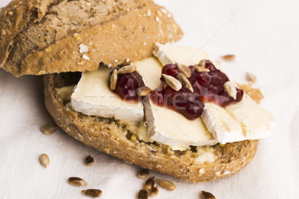 Foto stock: Pan · servido · camembert · madera · queso
