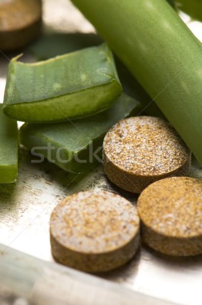 Aloés planta pílulas natureza vidro Foto stock © joannawnuk