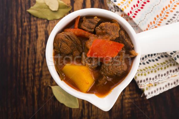 Rundvleesstoofpot tabel vlees tomaat maaltijd zout Stockfoto © joannawnuk