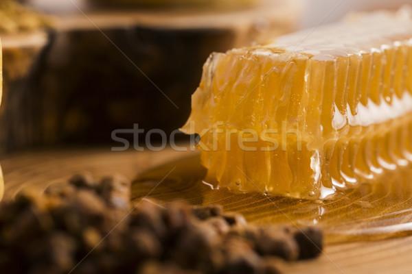 Méhsejt virágpor propolisz virág természet méz Stock fotó © joannawnuk