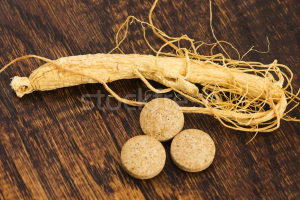 Ginseng raiz pílulas comida medicina pílula Foto stock © joannawnuk