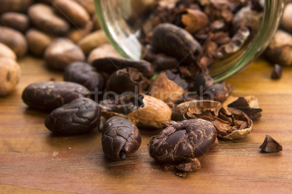 Cacao bonen natuurlijke houten tafel chocolade keuken Stockfoto © joannawnuk