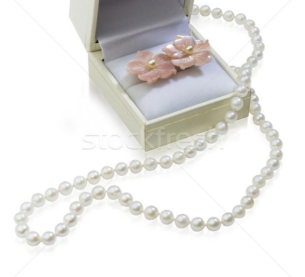 Gyönyörű gyöngyök nyaklánc doboz luxus ajándékok Stock fotó © JohnKasawa