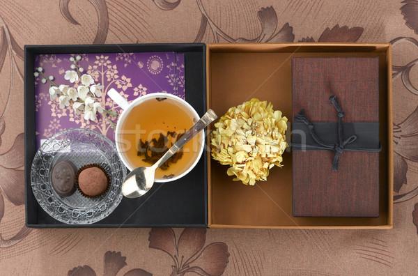 Fincan çay dekorasyon göstermek kutu kahverengi Stok fotoğraf © JohnKasawa