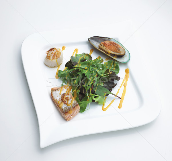 морепродуктов стейк лосося овощей Салат рыбы Сток-фото © JohnKasawa