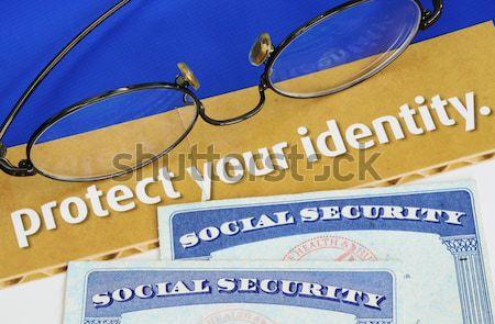 Fókusz kamatláb hitelkártya izolált kék pénz Stock fotó © johnkwan