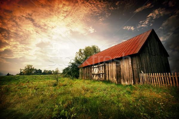 Coucher du soleil vieux grange bois bar rouge Photo stock © johnnychaos