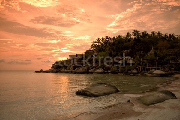 Coucher du soleil plage tropicale île Thaïlande nuages paysage Photo stock © johnnychaos