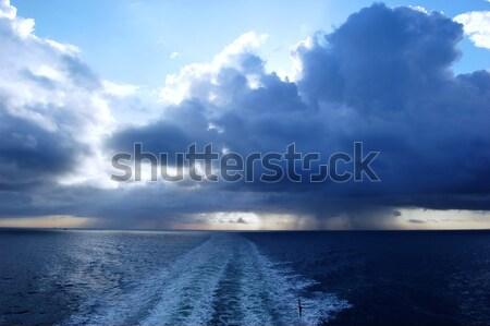 Tempestuoso nuvens oceano escuro ver forma Foto stock © johnnychaos