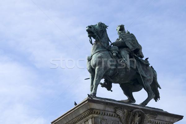 Standbeeld milaan Italië Blauw reizen Italiaans Stockfoto © johnnychaos