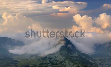 Nuages paysage montagne pluie roumain nature Photo stock © johny007pan