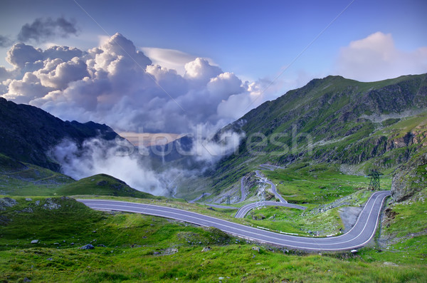 Montagne route nuages roumain voiture paysage Photo stock © johny007pan