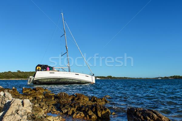 Voilier roches Croatie mer ciel bateau Photo stock © Johny87