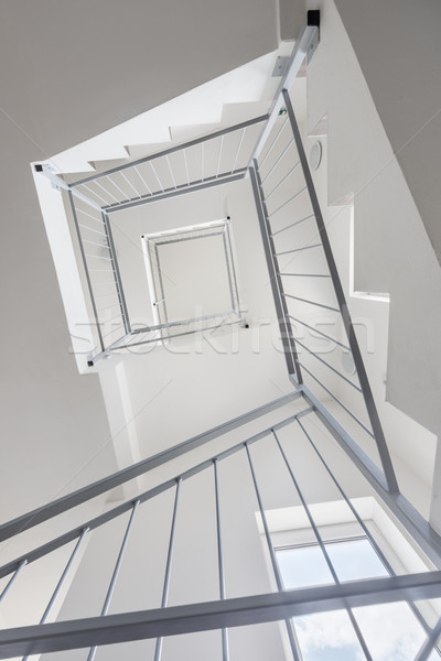 Modernes escalier lumineuses vide blanche mur Photo stock © Johny87