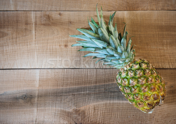 Ananas fraîches vieux bois bureau table Photo stock © Johny87