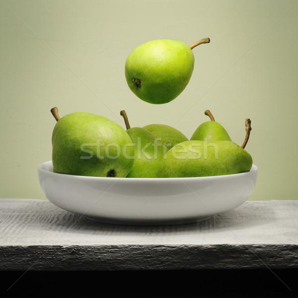 Levitatie groene peer zweven kom stilleven Stockfoto © Johny87