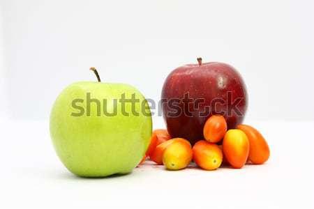 Elma yeşil kırmızı yaprak meyve arka plan Stok fotoğraf © jomphong
