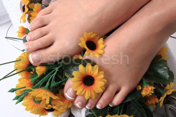 Kobieta nogi pedicure szczegół paznokcie ciało Zdjęcia stock © jonnysek