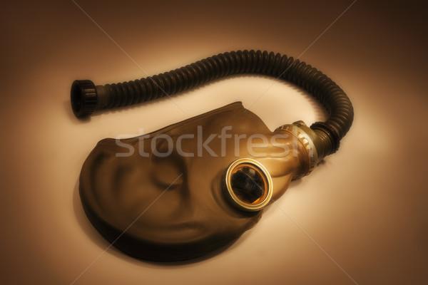 Eski gaz maskesi yalıtılmış siyah savaş maske Stok fotoğraf © jonnysek