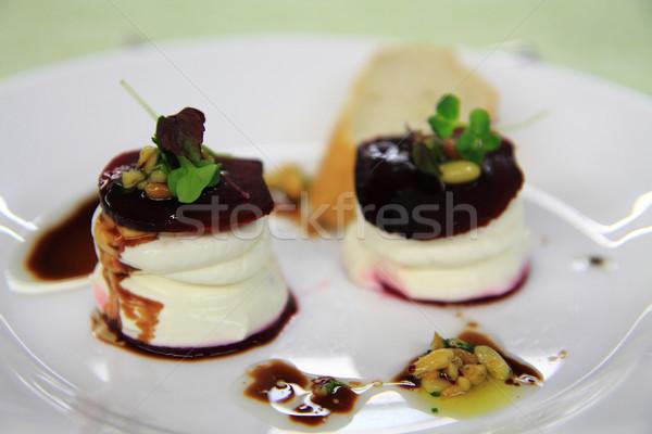 Taze keçi peyniri kırmızı gurme gıda gıda restoran Stok fotoğraf © jonnysek