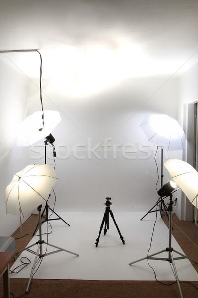 Mały pusty amator studio biały moda Zdjęcia stock © jonnysek