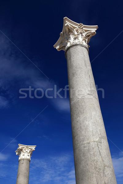 Dois antigo colunas blue sky edifício arquitetura Foto stock © joruba