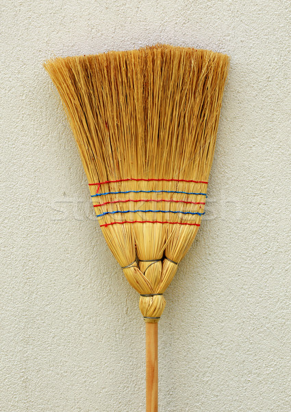 Vassoura em pé parede madeira trabalhar Foto stock © joruba