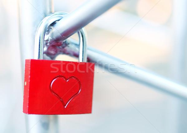 Cadeado amor fechado vermelho coração segurança Foto stock © joruba