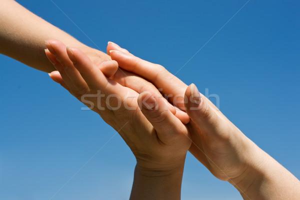 Ręce matki dzieci niebo strony Zdjęcia stock © joseph73
