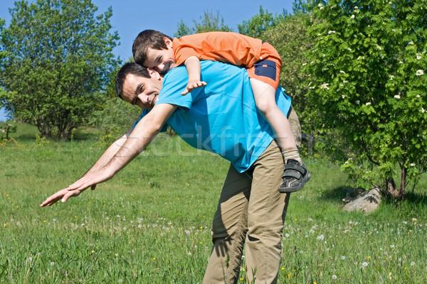 отцом сына счастливым отец улыбаясь сын играет Сток-фото © joseph73