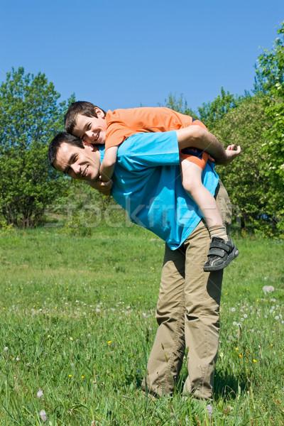 Syn ojca szczęśliwy ojciec uśmiechnięty syn gry Zdjęcia stock © joseph73