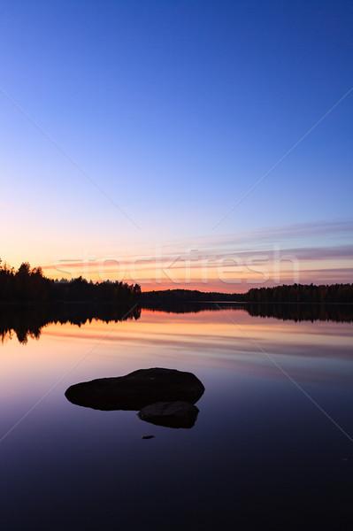 Sereno vista lago crepúsculo cielo Foto stock © Juhku