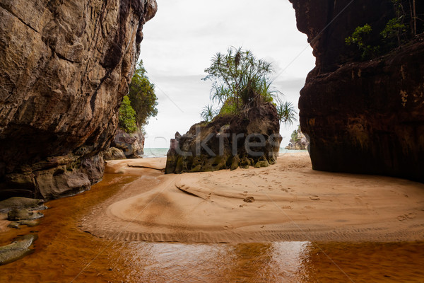Tropisch strand twee groot rotsen park borneo Stockfoto © Juhku