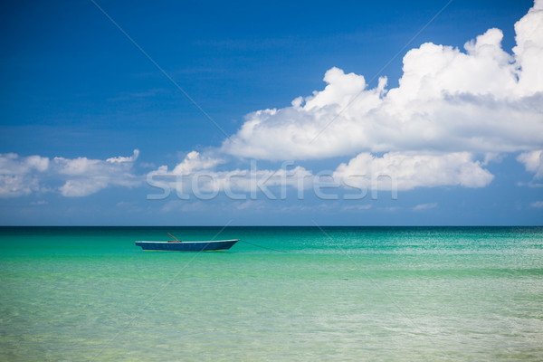 Rybak łodzi turkus wody dzień morza Zdjęcia stock © Juhku