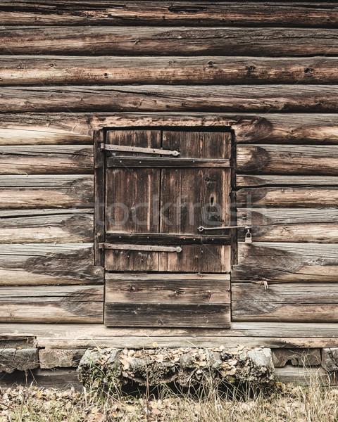 Eski ahşap ahır kapı kapalı Retro Stok fotoğraf © Juhku