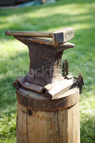 鉄 アンビル ハンマー 屋外 木材 ストックフォト © Juhku