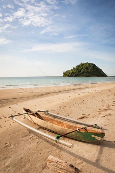 Klein vissersboot exotisch strand borneo Maleisië Stockfoto © Juhku