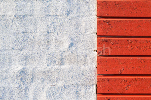 peint mur rouge la texture du bois blanche mur de briques photo stock. Black Bedroom Furniture Sets. Home Design Ideas