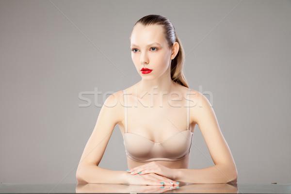 Retrato sujetador labios rojos sesión Foto stock © julenochek
