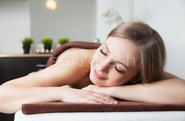 Vrouw spa salon massage bureau foto Stockfoto © julenochek
