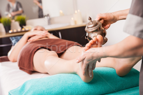 Voet therapie massage procedure olie spa Stockfoto © julenochek