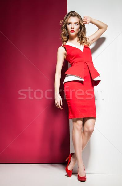 элегантный красное платье белый стены портрет Сток-фото © julenochek