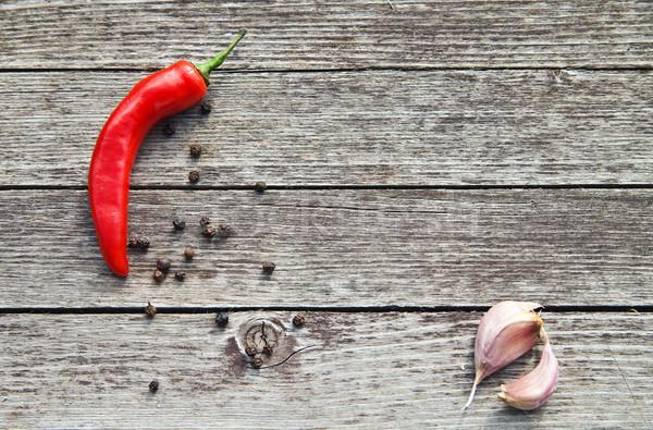 紅色 熱 辣椒 大蒜 木 木 商業照片 © julenochek