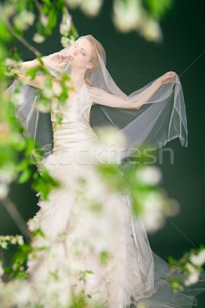 álomszerű gyönyörű szőke nő menyasszony sétál egyedül Stock fotó © julenochek